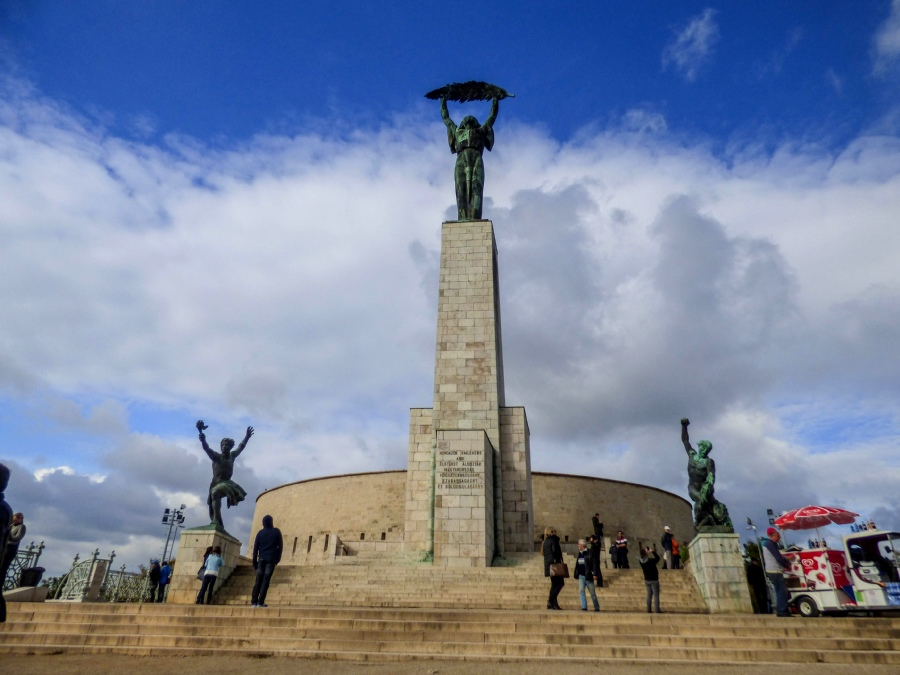 Estatua libertad Budapest