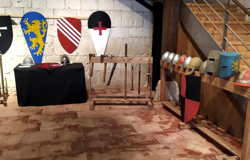 interior castillo tiedra