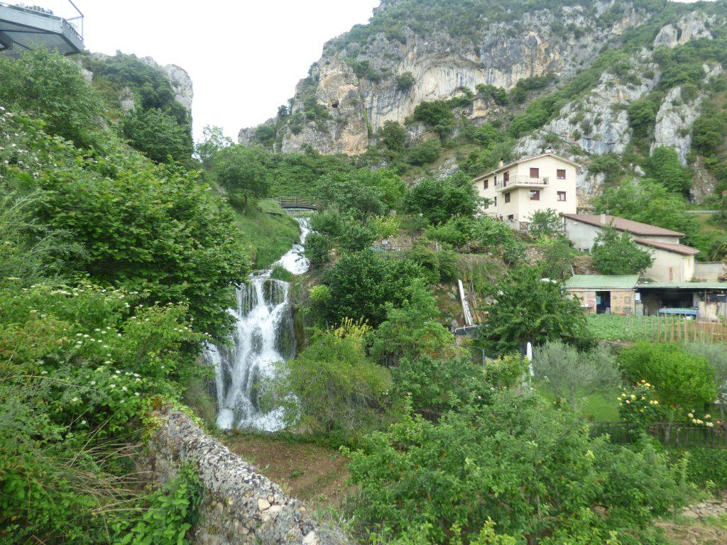 ruta por las cascadas de tobera